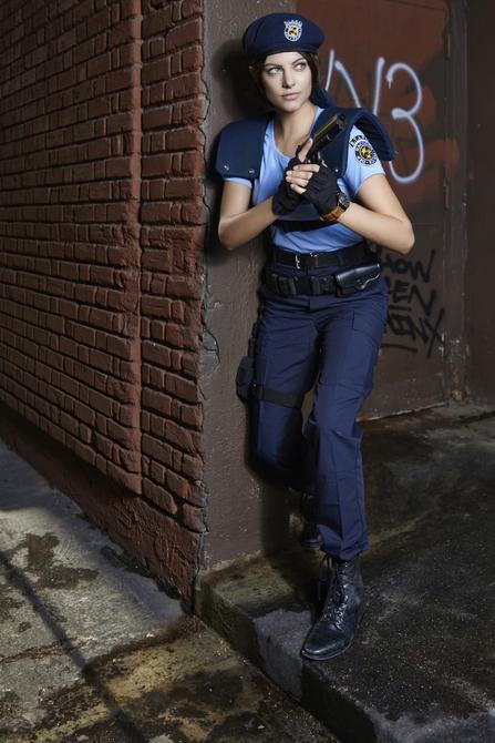 Julia Voth como Jill Valentine