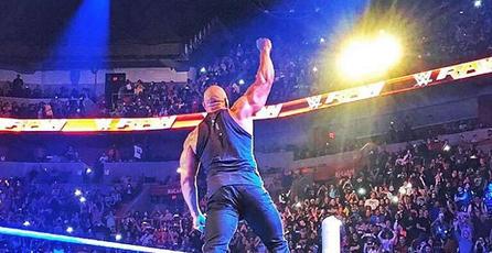 Así fue el regreso de <em>The Rock</em> esta semana en <em>WWE Raw</em>