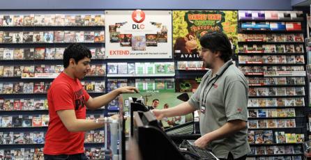 Robaron juegos de tienda que estaban en la basura y se los venden de nuevo