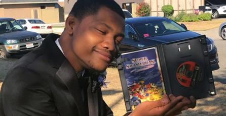 Jugador de Super Smash Bros. Melee lleva su copia a su fiesta de graduación