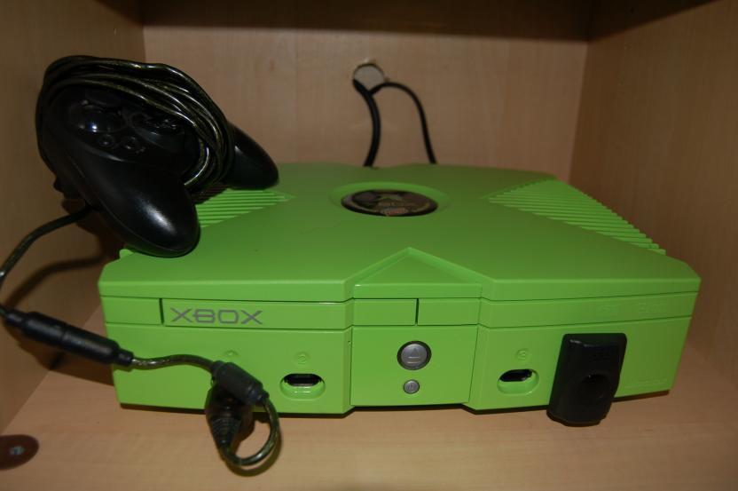 La consola original salió a la venta en Noviembre del 2001