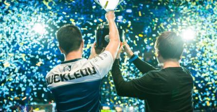 Liquid.NuckleDu se corona Campeón de la  Capcom Cup 2016