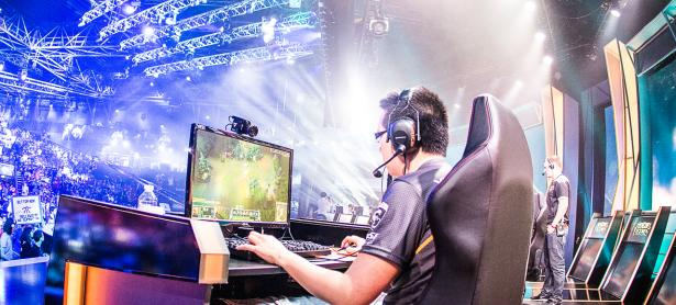 Profesionales de eSports dominan importante lista de <em>Forbes</em>