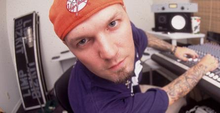 Raro Dreamcast firmado por cantante de Limp Bizkit aparece en eBay