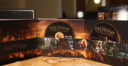 Copia física de <em>The Elder Scrolls Anthology</em> salva de bala loca a su dueño