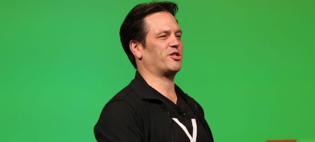Phil Spencer responde a PlayStation sobre la negativa de cross-play