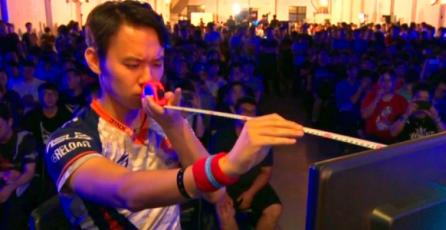 Profesional de <em>Street Fighter V</em> mide su distancia con la del televisor