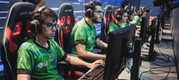 Con un poderoso Ezreal, <em>Rebirth Esports</em> acumula victorias en CLS