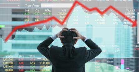 Valor del Bitcoin nuevamente cayó y se acercó a los 7 mil dólares
