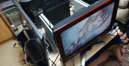 Cómo los japoneses se reúnen a jugar <em>Monster Hunter: World</em> entre cuatro jugadores