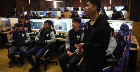Liceo técnico chino impone clases obligatorias de videojuegos