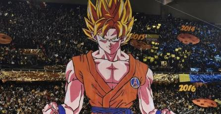 Hinchas del PSG sorprenden mostrando en estadio enorme lienzo de Goku