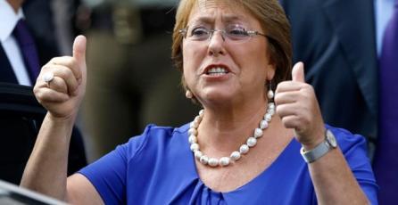 Michelle Bachelet reconoció que se manda memes y videos divertidos por WhatsApp con amigas