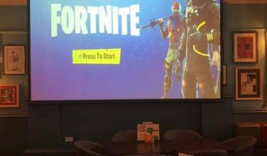 Bar inglés te premia con 30 libras en alcohol si ganas una partida de <em>Fortnite</em>