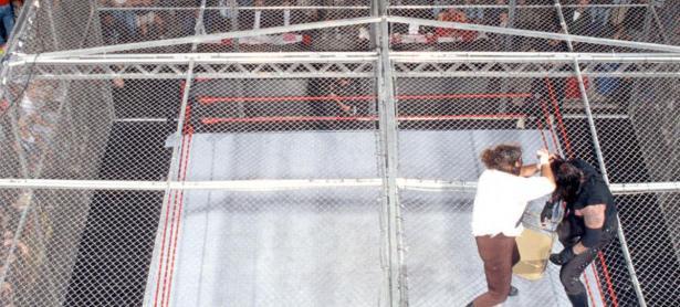 La mejor lucha de 'Hell in a Cell' cumple 20 años