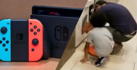 Hombre mete a su hija a una máquina para sacar juegos y consolas de Nintendo