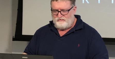 Gabe Newell sugiere que Valve sigue trabajando en juegos VR