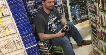 Conoce al hombre con más videojuegos en todo el mundo