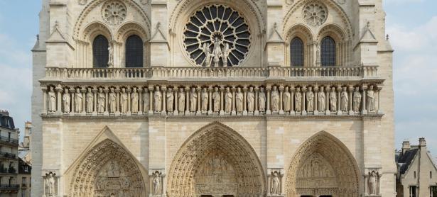 La clave para restaurar Notre Dame podría estar en un videojuego