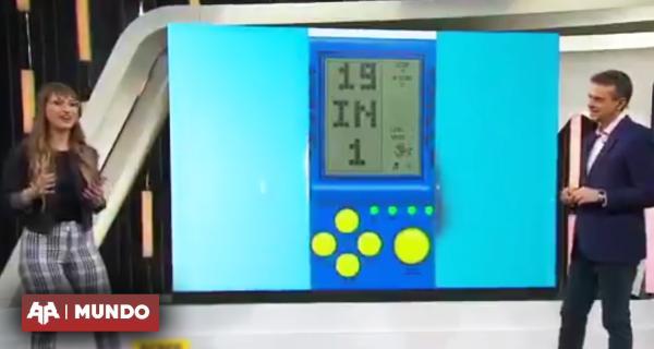 VIDEO | TV argentina confunde Game Boy con consola tetris de mano