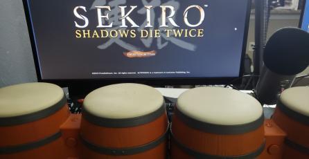 Terminan <em>Sekiro: Shadows Die Twice</em> usando bongós de <em>Donkey Kong</em>