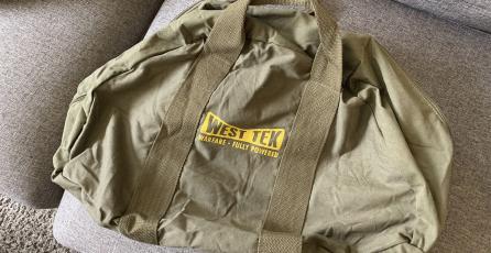 Compradores de edición especial de <em>Fallout 76</em> reciben su bolsa de lona