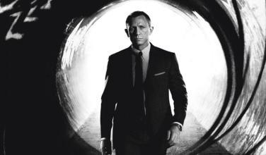 Director de <em>Bond 25</em> niega retrasos por haber estado jugando PS4