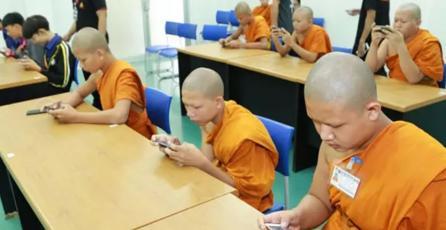 Equipo de aprendices para monjes budistas gana torneo de esports