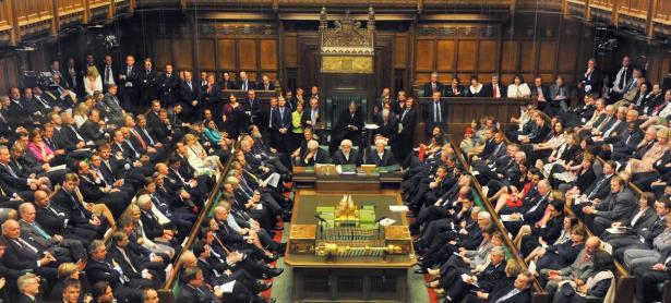 Parlamento británico recomienda que cajas de botín se regulen como apuestas