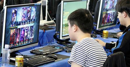 China prohíbe jugar después de las 10 PM y más de 90 minutos al día