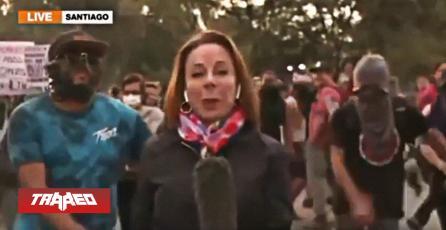"Al ritmo de Fortnite chilenos protestaron ""en vivo"" para TV internacional"