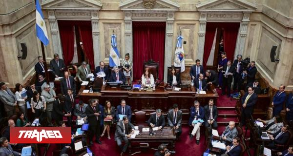 Es promulgada en Argentina Ley de Emergencia Económica (30% de impuesto adicional al comprar al extranjero)