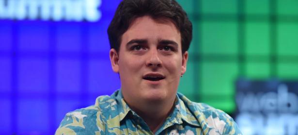 Palmer Luckey lucha para ganar la subasta del Nintendo PlayStation