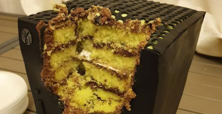 ¿Un pastel con forma de Xbox Series X? Fan lo hace realidad