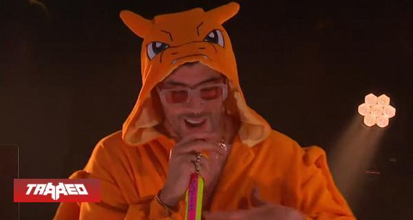 Bad Bunny llega como Charizard a programa de TV para promocionar su último album