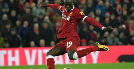Estrella del Liverpool FC piensa que los videojuegos son una pérdida de tiempo