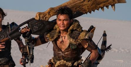 <em>Monster Hunter</em>: imagen de la película muestra a Jovovich con las Dual Blades