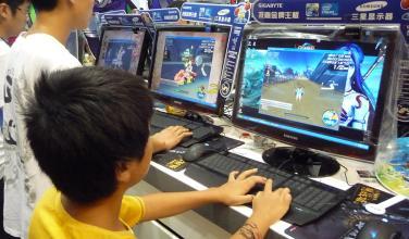 Joven sufre derrame cerebral tras largo maratón de videojuegos y malos hábitos