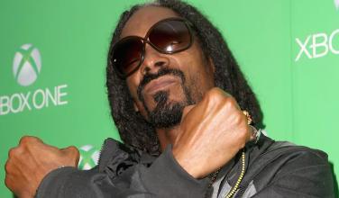 Snoop Dogg presume su refrigerador con forma de Xbox Series X