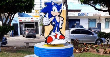 Parque de Mazatlán tiene un homenaje a Sonic hecho de material reciclable