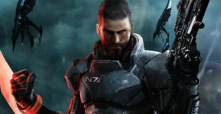 Esta edición de colección de <em>Mass Effect</em> incluye un casco que puedes usar