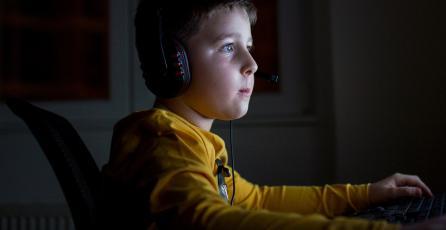 ESTUDIO: videojuegos alivian en 30% el dolor en niños con cáncer