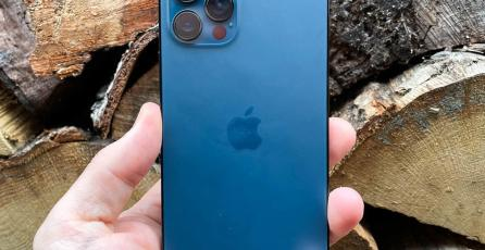 Imponen multa millonaria a Apple en Brasil por vender el iPhone 12 sin cargador