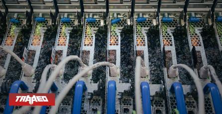 Sumergir servidores en líquido hirviendo: la nueva estrategia de Microsoft para mantener sus servidores a máxima velocidad