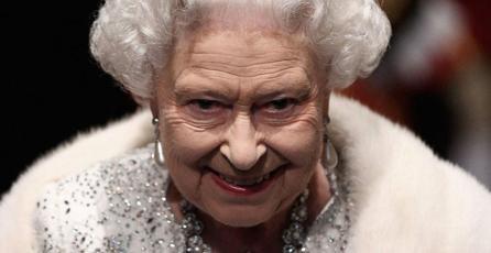 Subastarán Wii chapado en oro y personalizado para la Reina de Inglaterra