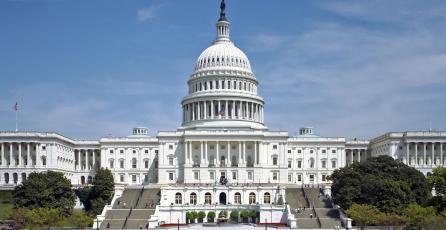 Políticos de EUA hacen llamado para proteger a menores de cajas de botín