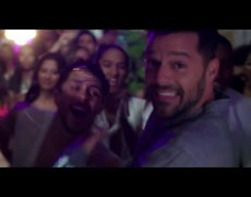 Ricky Martin - La Mordidita (Video Oficial) ft. Yotuel
