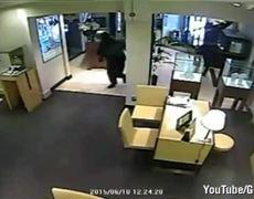 CCTV shows Altrincham jewellery heist