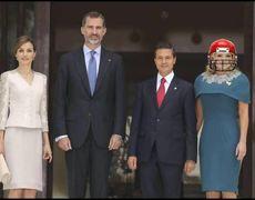 Memes de Angélica Rivera de sus atuendos durante la visita de los Reyes de España