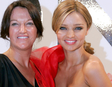 Miranda Kerr's Mom Drinks What?!